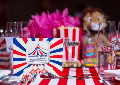 Circus theme table dressing